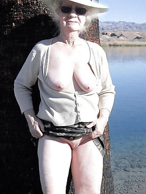 amateur naked older ladies blear