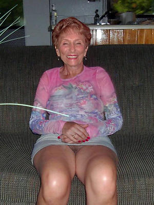 old granny upskirt free pics