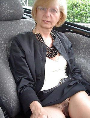 sexy naked upskirt older women
