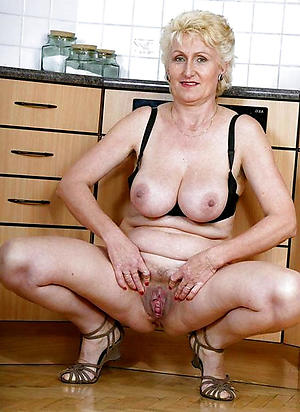 xxx pictures of hairy older woman