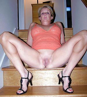 xxx older women in heels
