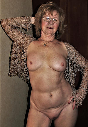 nude older women cougars pic