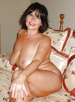 sexy older women cougars nude pics