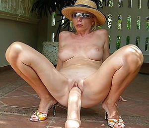 xxx pictures of senior women masturbating