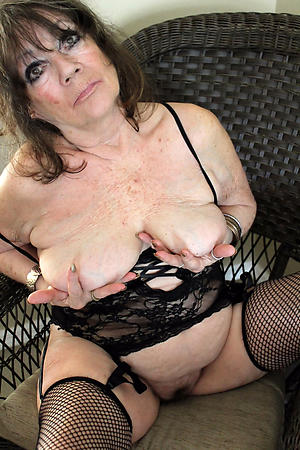 xxx old brunette pussy nude pics