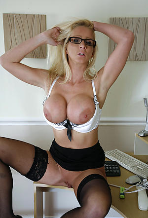 hot older wife nude pics