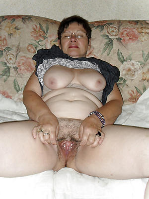 doyenne vagina sex pics