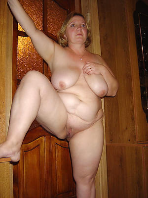 xxx pictures be incumbent on older women solo