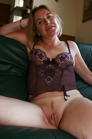 granny cougars posing naked