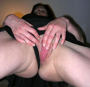 mature ex girlfriend posing nude