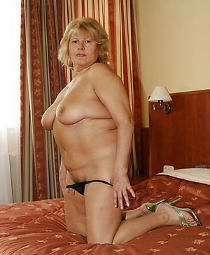 naked horny doyen column