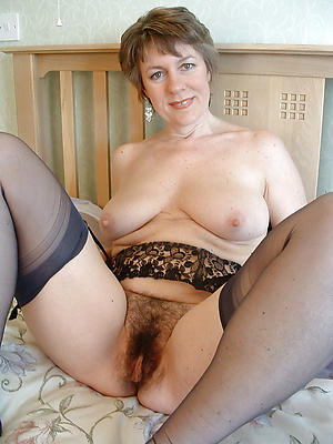 xxx old ladies in stockings pics