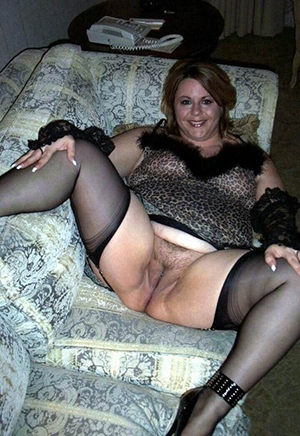 xxx pictures of age-old ladies in stockings