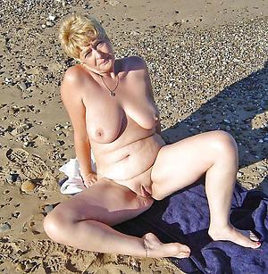 granny nude beach amateur pics