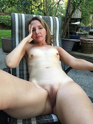 nude skinny granny pussy