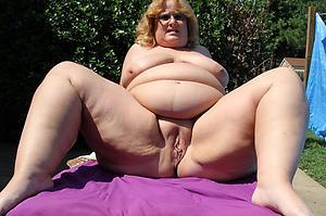 horny granny vulva nude pic