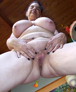 crazy granny twat nude pic