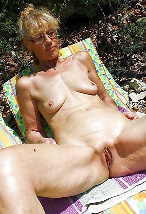 saggy granny tits porn pics