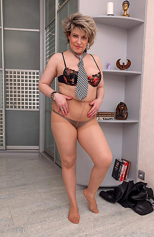 amazing older women in pantyhose nude pic