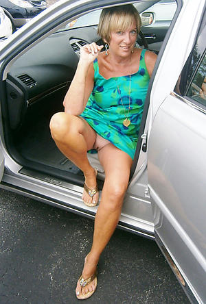 nude pics of sexy granny upskirt