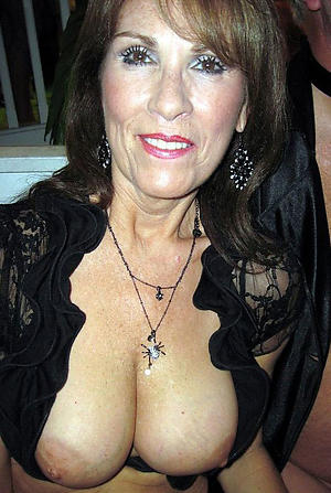 busty amatuer hot older women