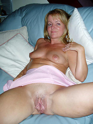 xxx pictures of mature granny pussy