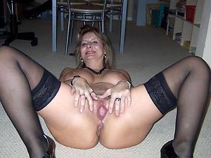 granny mature pussi copulation pics