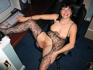hot old unlighted pussy stripping