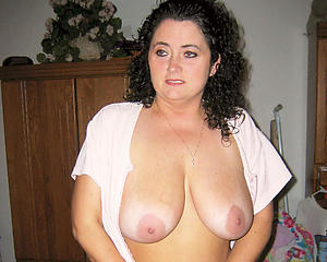 nude old brunette pussy
