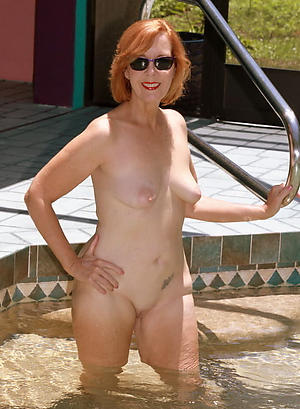 sexy old women unclad pussy pic