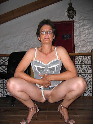 elegant grannies private pics
