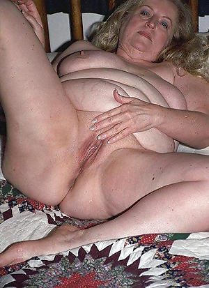 nude bbw granny xxx photo
