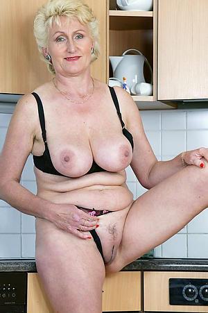 older juicy twat hot porn pic