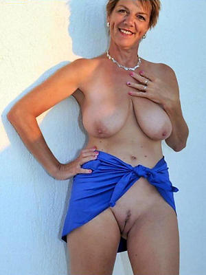 erotic beauty aged cougar porn