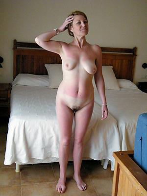 nude pics of elder women solo