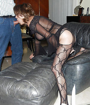 doyenne column in stockings pussy pic