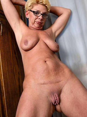 experienced body of men with reference to glasses pussy pic