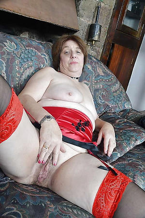 unconforming pics of older nude wife