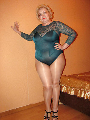 hot granny pussy in pantyhose stripping