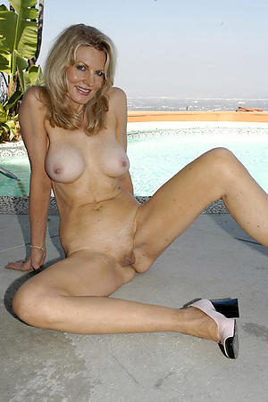 porn pics of amateur shaved granny pussy