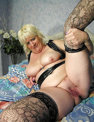 hot spectacular chubby granny stripping