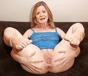 nude granny cunt pic