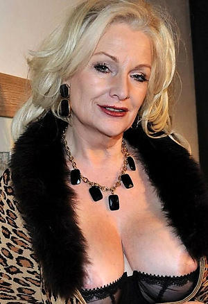 sexy elegant granny pussy pic