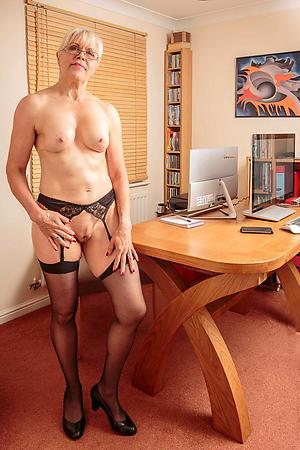 xxx old cougar porn pics