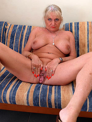 granny twat posing nude