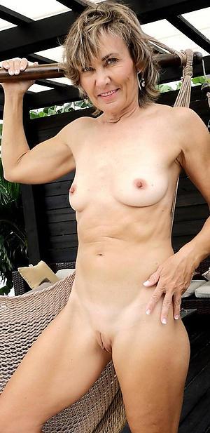 granny small tits posing nude