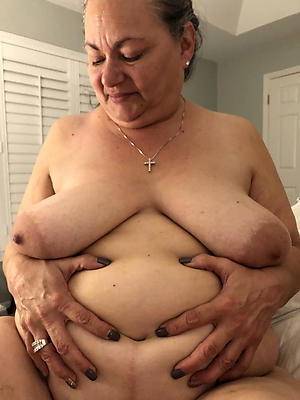 nude pics of older fat pussy