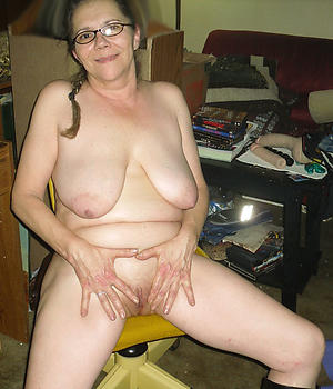 mature granny housewives pussy pic