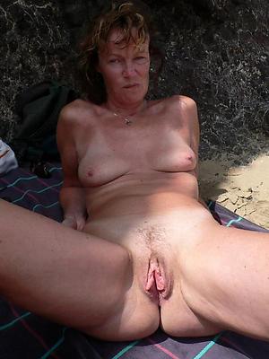 Beautiful granny pussy hole