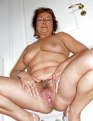 Seductive granny pussy hole pics